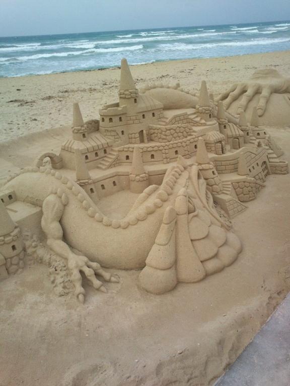 ...a hrady hlídá drak...