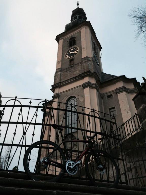 ... původní kostel byl vystavěn v letech 1332 – 1368 ...