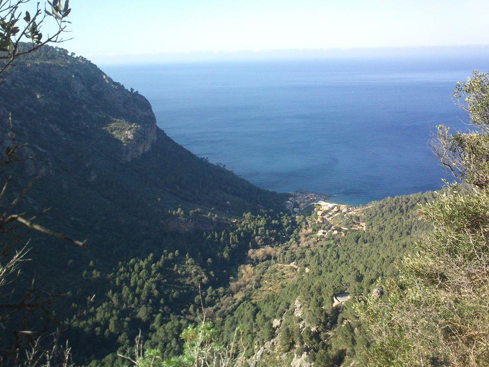...pohled na Port Valldemossa shora...