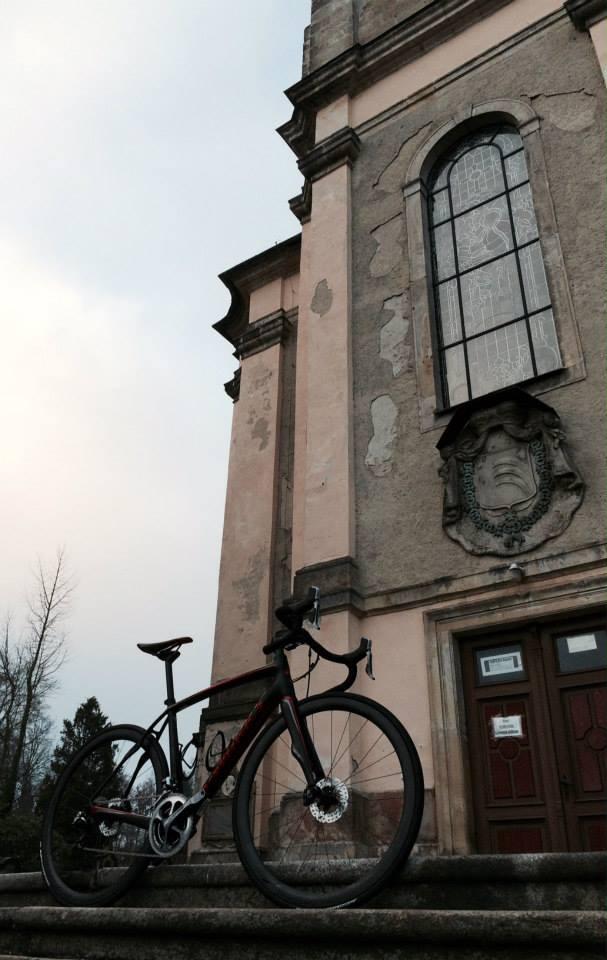 ... na jeho místě byl v polovině 18. století vystavěn kostel nový ...