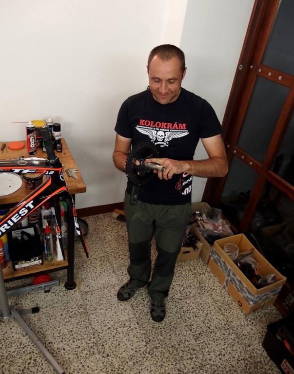 ... ultraspecializovaný mechanik a filmová hvězda režiséra Trnky, Radek Raiter ...