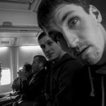 Berlin, 10:53h: Mise jde bez zádrhelu, jednotka na palubě! Ňumimu se mihnul tváří náznak překvapení z hladkého průběhu.