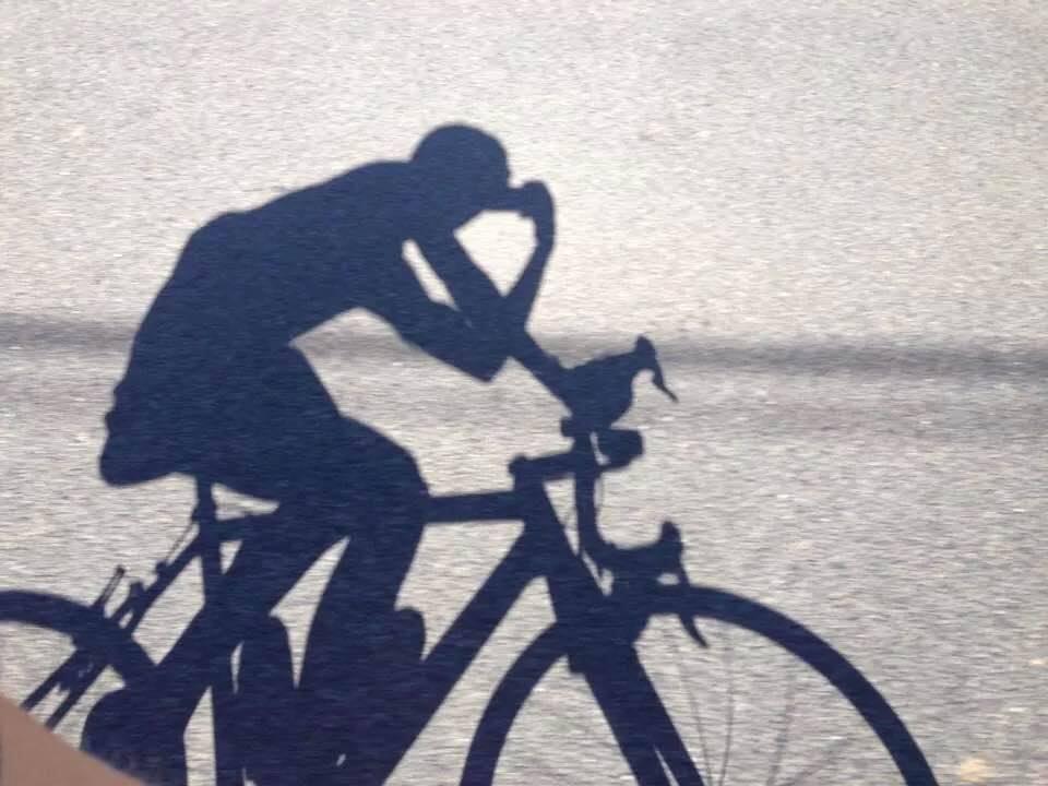 ... ve stínu pod fíky ... Žízeň je veliká, trénink mi zde lépe utíká ...