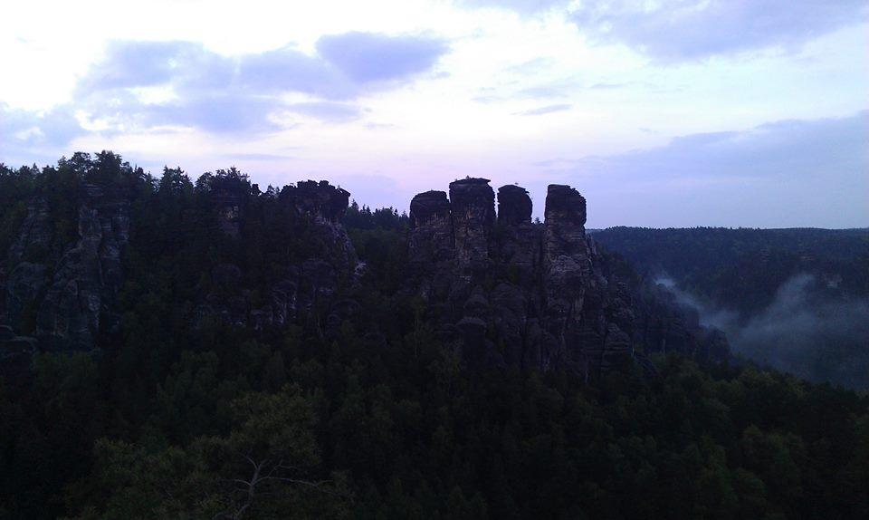 ... skalní město ...