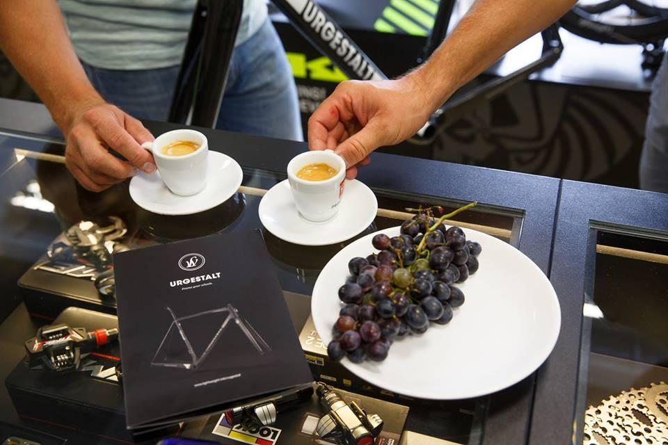 ... je čas na dobrou italskou kávu Hausbrandt :-) ...