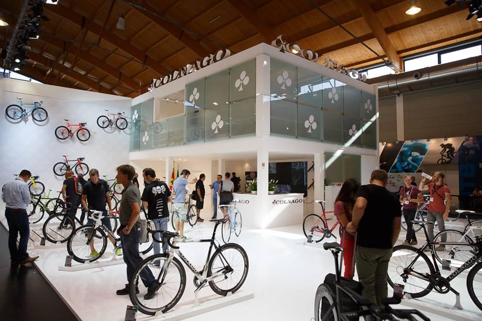... no dobře, takže postupně. Letošní prezentace Colnaga ve Friedrichshafenu byla určitě zajímavá ...