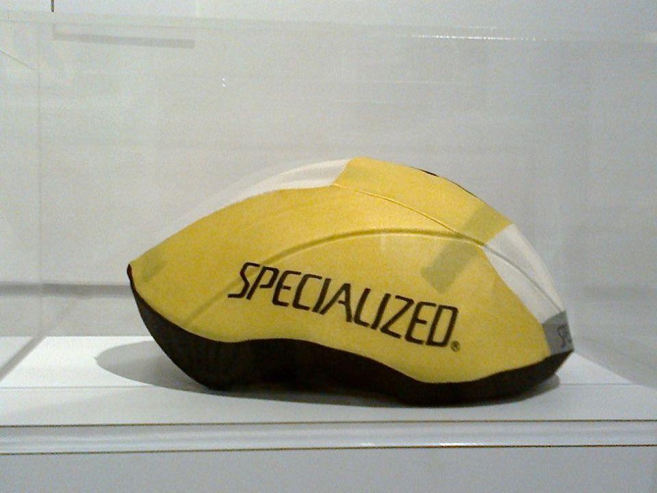 ... tuhle helmu, když viděl Cavendish ...